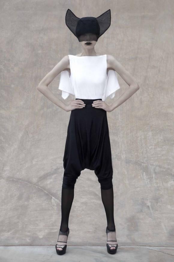 07 MaxTan AGAINST LookBook 700x1049 580x869 Японский минимализм в одежде   кошечки от Max Tan