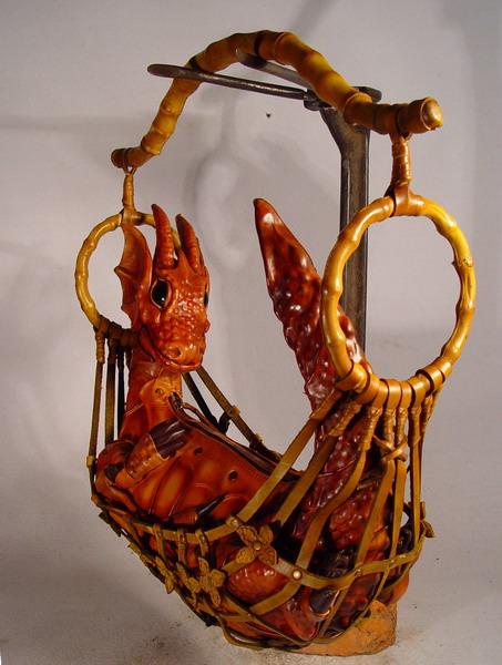 dragon in hammock 2 Фильтрующий противогаз от Bob Basset на Хеллоуин