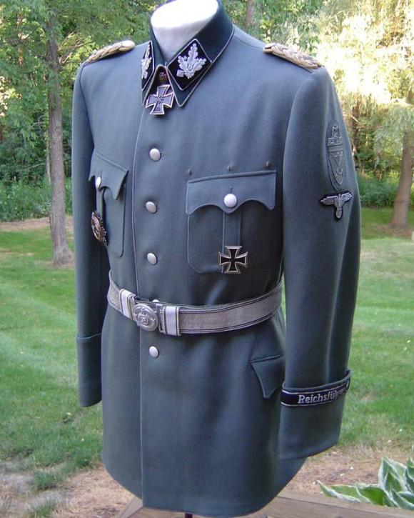 image011 580x725 Нацистский шик от Hugo Boss