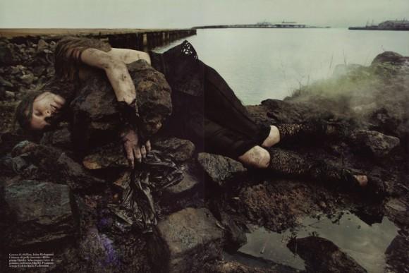 waterandoil12 580x387 Нефть и вода – Steven Meisel